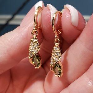 Jewelry - Simulated Peridot Drop Earrings